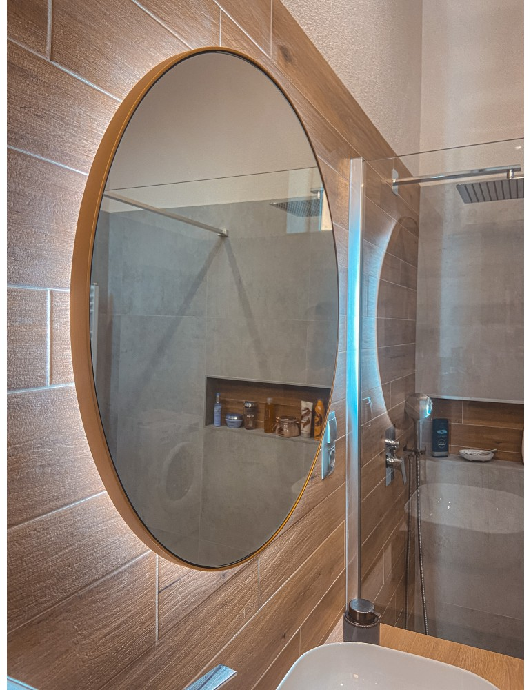 Mosadzné okrúhle zrkadlo s podsvietením