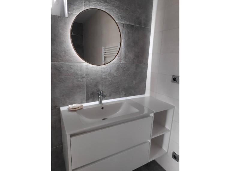 Biele okrúhle zrkadlo s podsvietením
