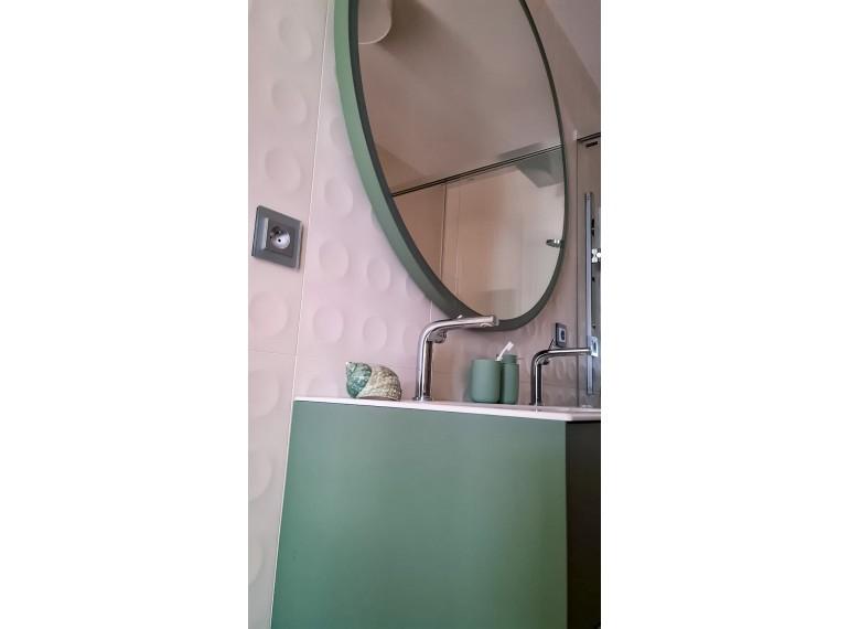 Zrkadlá v atypickej farbe rámu